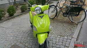 Motorroller Folierung Avery Hauptstadt Wrapper Mjam (4)