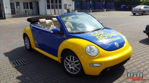 VW Beetle Folierung Car Wrapping Gelb Blau Car Royal (16)
